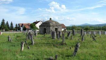 """Nacionalni spomnik """"Turbe Malkoča i Skenderpašića u Kopčiću"""""""